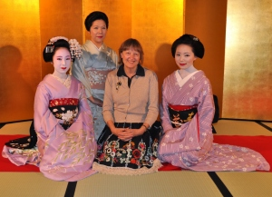 Komomo-san, Mamechiho-san and Sakiko-san and me at Ichiriki Tea House in 2010.