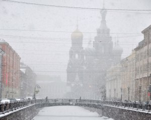 Church on Spilled Blood in a spring snow fall.