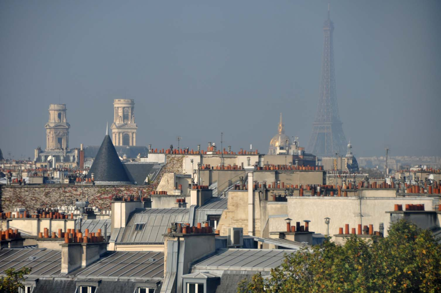 Perfect view with eiffel tower and saint sulpice from for La maison du monde paris