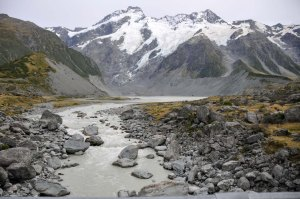 We are walking up the Hooker Valley in the Aoraki Mount Cook National Park.