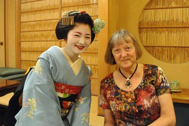 Young artist, old artist Satsuki-san and me.  (I am a geijutsuka.)