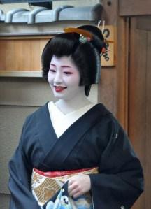 First sight of Satsuki at her debut. She had just exited Tsurui Okiya.