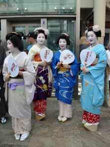 From left ; Hinagiku, Tomitsuyu, Ryoka and Tomitae. It is now 11 a.m and the young ladies wait to go on stage for the Opening Ceremony.