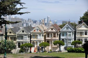 I was determined to see a group of elegant Victorian houses known as the Painted Ladies. More steep climbing!